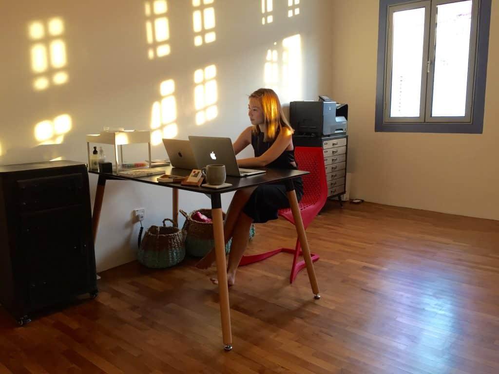 Ladyboss Melissa Lim at her work station